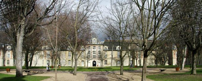 Au sein du groupe hospitalier Saint-Louis-Lariboisière-Fernand-Widal